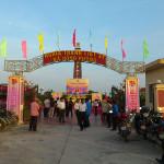 Lễ dâng hương – thắp nến tri ân các anh hùng liệt sỹ tại Nghĩa trang xã Hồng Phong năm 2013