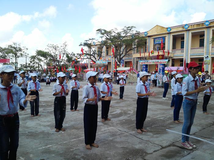 Video hội trại hè Thanh Thiếu Nhi xã Hồng Phong năm 2013