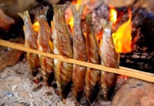 Thưởng thức món cá suối Mộc Châu